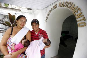 Para realizar o registro de seus bebês, pais e mães devem levar para a maternidade todos os seus documentos pessoais