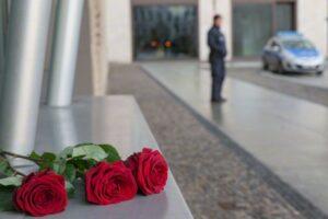 Rosas homenageiam mortos no atentado em Paris. Foto: Corbis