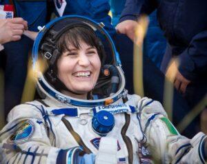 capsula-com-astronautas_estacao-espacial_006-850x675