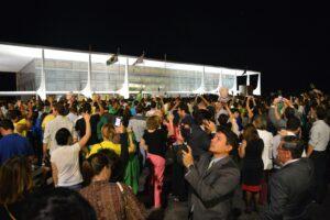 Brasília - Protesto contra a nomeação do ex-presidente Lula como ministro da Casa Civil, em frente ao Palácio do Planalto (Wilson Dias/Agência Brasil)