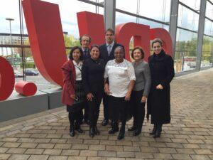 Grupo de pré-candidatas tucanas com Solange Jurema em frente à sede do CDU, na companhia do Diretor Geral do CDU- Tim Rainer Bornholt e do Jan Woischnik, Diretor do escritório da KAS no Brasil