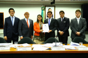 Mariana Carvalho encerra CPI trabalho concluído