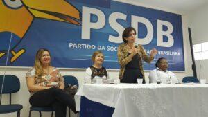 Eliana Piola fala para as pré-candidatas - Foto: Karla Vasconcelos